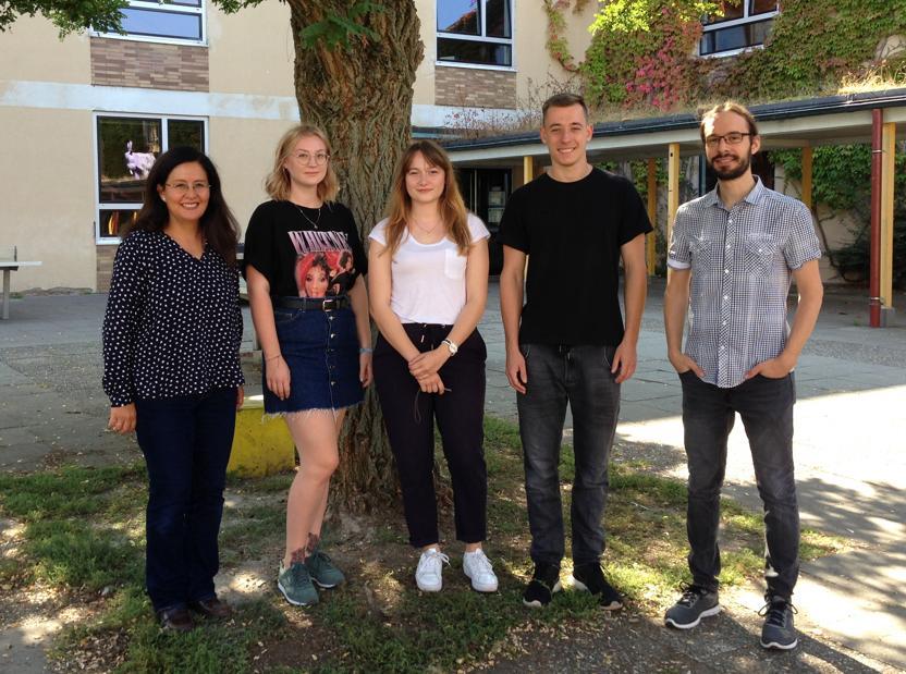 Cecilia Petermann, Jenny Meinel, Ceren Yildiz, Christian Schmidt und Markus Christian (Verbindungslehrer)