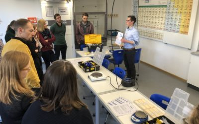 """Besuch von der Uni Regensburg –  DG Chemielehrer vertiefen ihr Wissen zum """"offenen Experimentieren"""""""