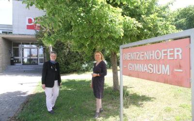 """MdL Ursula Sowa besucht das Dientzenhofer: """"Ein spannendes Beispiel für eine Schule in der Planung!"""""""