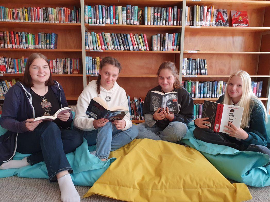 DG-BiB-Team, Julia, Vijona, Oliviai, Juli